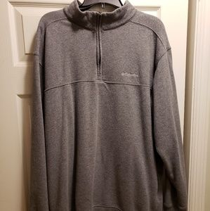 Men's Columbia pull over.